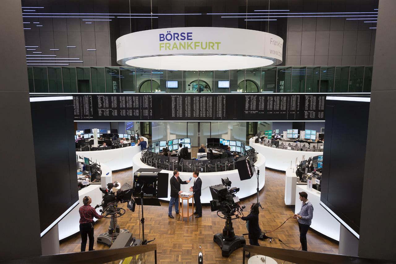 TV interview on the trading floor (landscape)