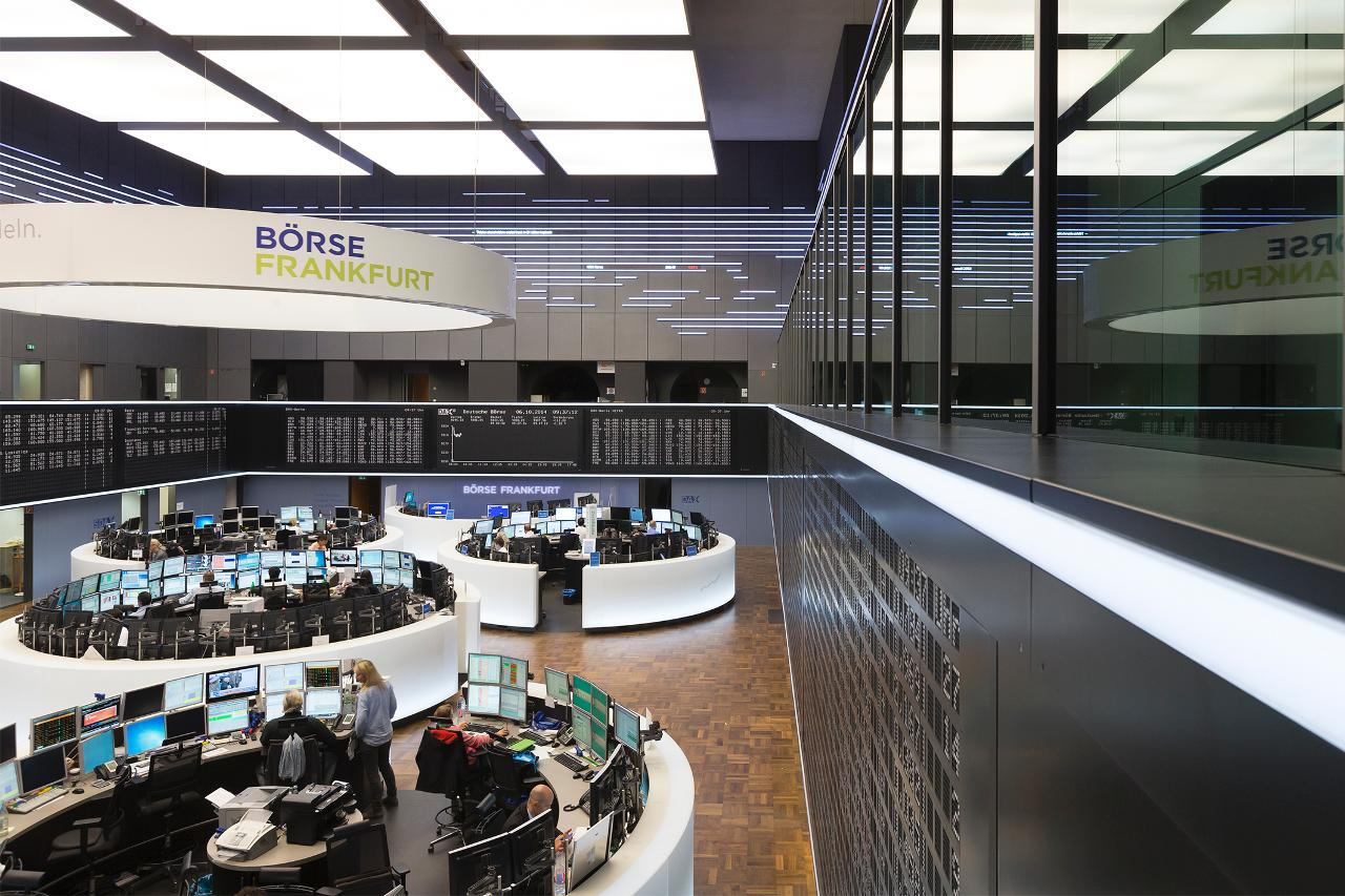 General view trading floor (landscape)